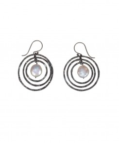 2852-135_Coin_Pearl_Hoop_Earrings.jpg