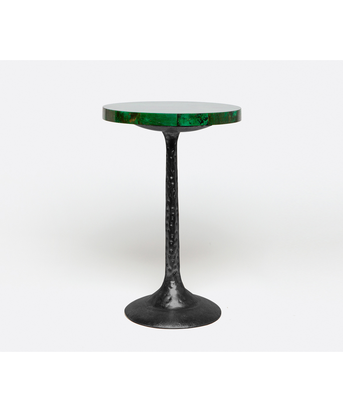 Green Tab Shell Side Table Black